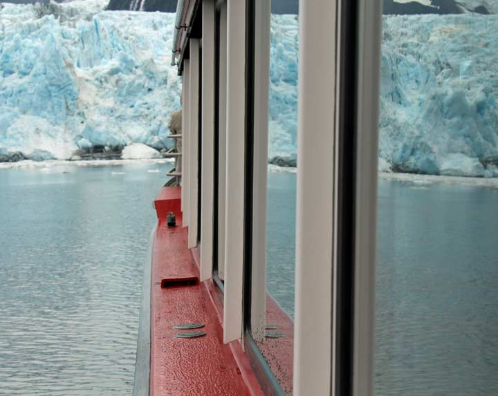 Sightseeing day cruise in Surprise Glacier, Prince William Sound, Alaska